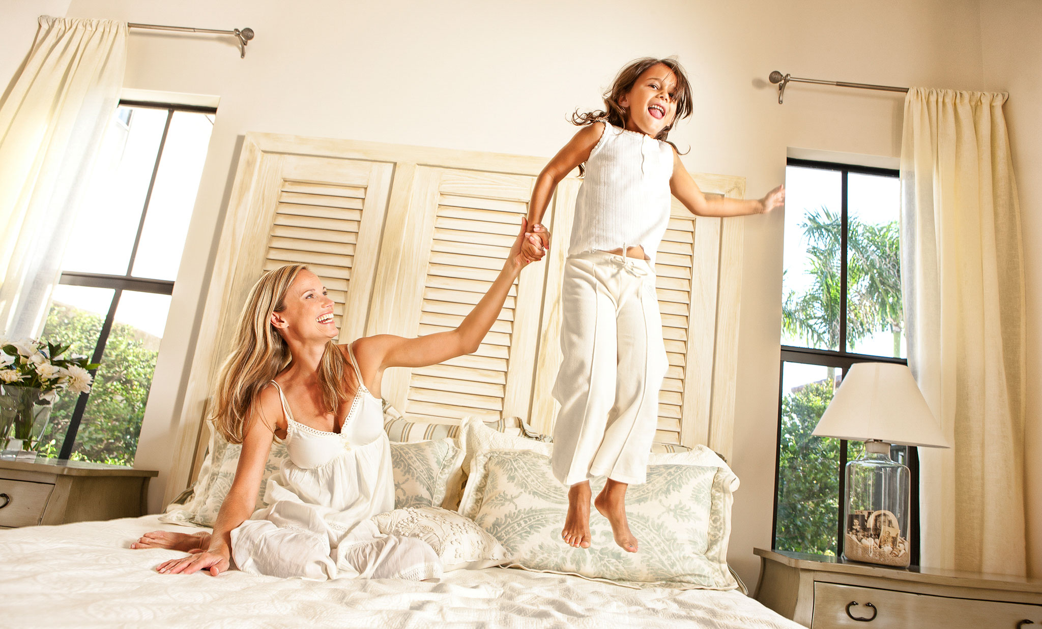 Lifestyle Jumping on bed
